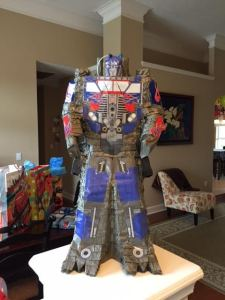 Optimus Prime piñata
