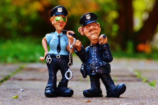 batons-cops-figurines-33598